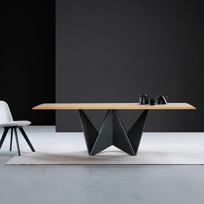 Origami, Table with very original base