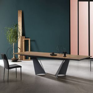Vela, Dining table with extendable top