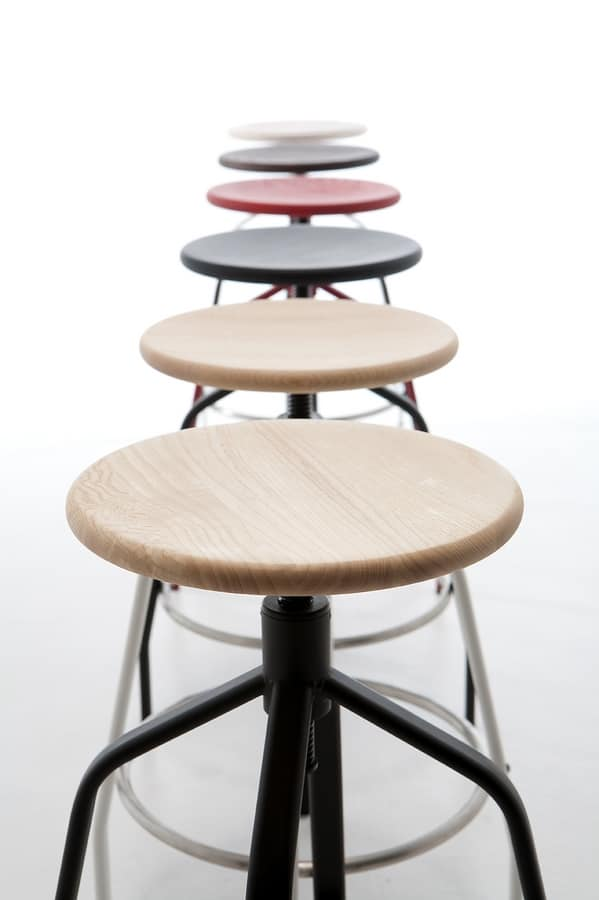 Vito, Metal stool with raised regolaile ideal for bars and modern kitchens