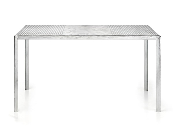 Hope Plus, Galvanized metal table