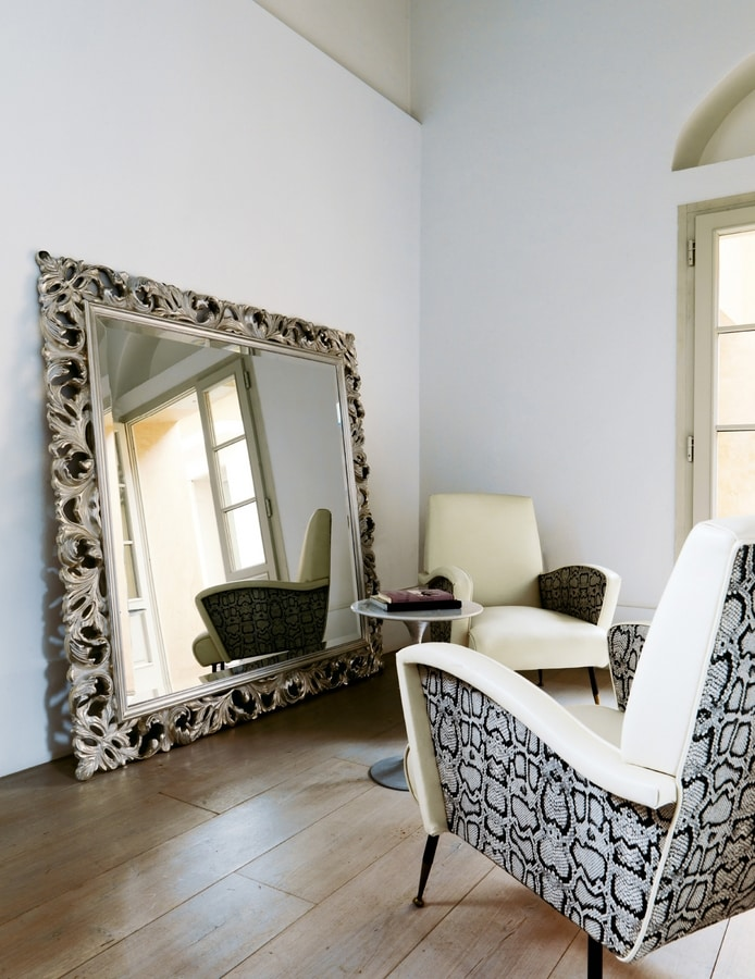 Amal 271, Classic mirror with carved frame