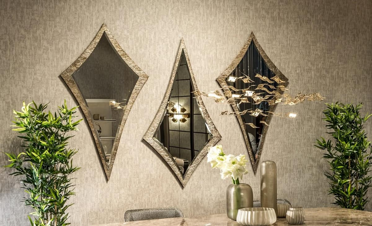 Aquilone, Classic kite-shaped mirror