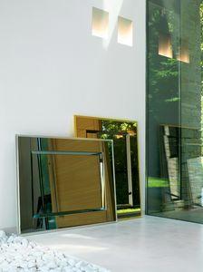 Carr� 232, Elegant mirror