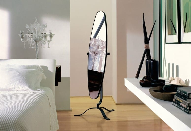 Didone, Adjustable mirror for bedroom