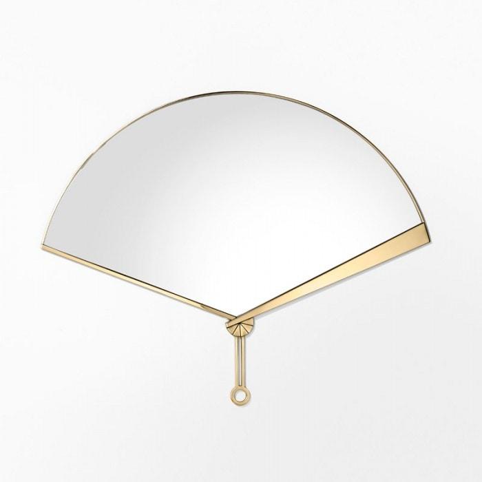 Fan Mirror, Fan-shaped mirror