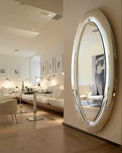 Mind 389, Oval mirror with rounded frame