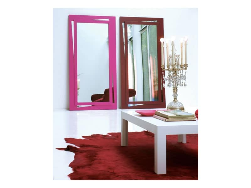 Vanessa, Rectangular mirror with lacquered frame