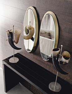 Noris 229, Oval mirror with wooden frame