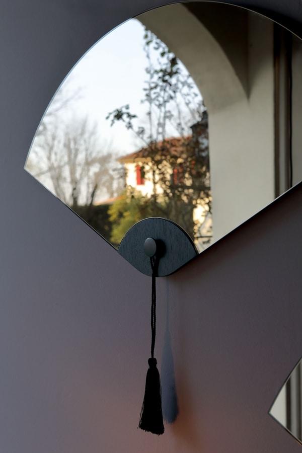 WINDERLY, Fan-shaped mirror, with oriental design