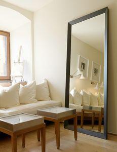 Zipp 223, Modern mirror with wooden frame