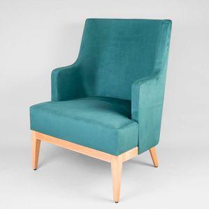 BS601P – Armchair, Comfortable padded armchair