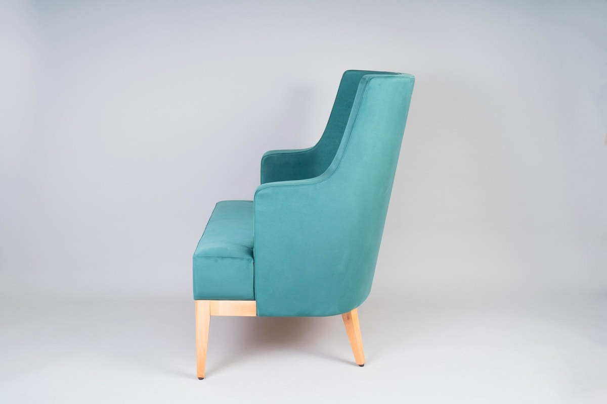 BS601P – Armchair, Comfortable padded armchair