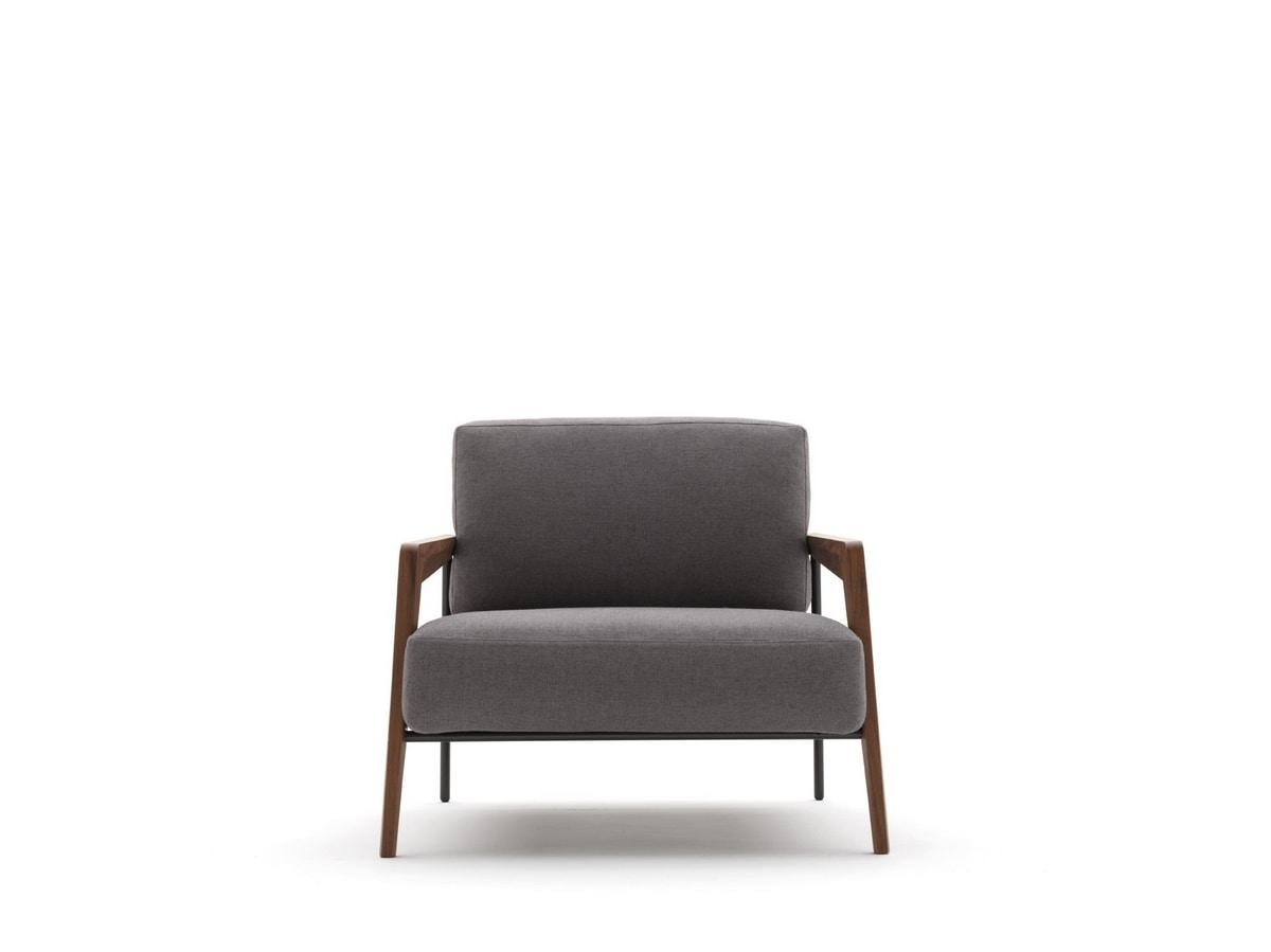 Cecile, Spacious and wide armchair