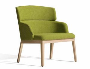 Concord 525UM, Armchair in wood with customizable upholstery