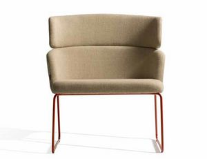 Concord 525UV, Comfortable armchair with metal sled base
