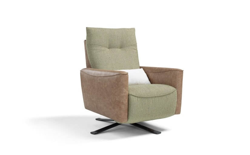 Egadi, Armchair with steel base