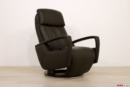 India, Modern manual relax armchair with an attractive design
