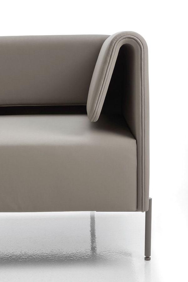 Klint, Armchair with characteristic armrests