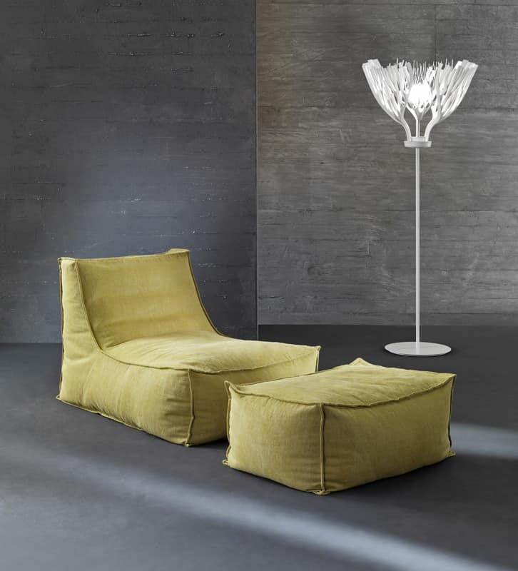 Lola, Armchair with expanded polystyrene pellets