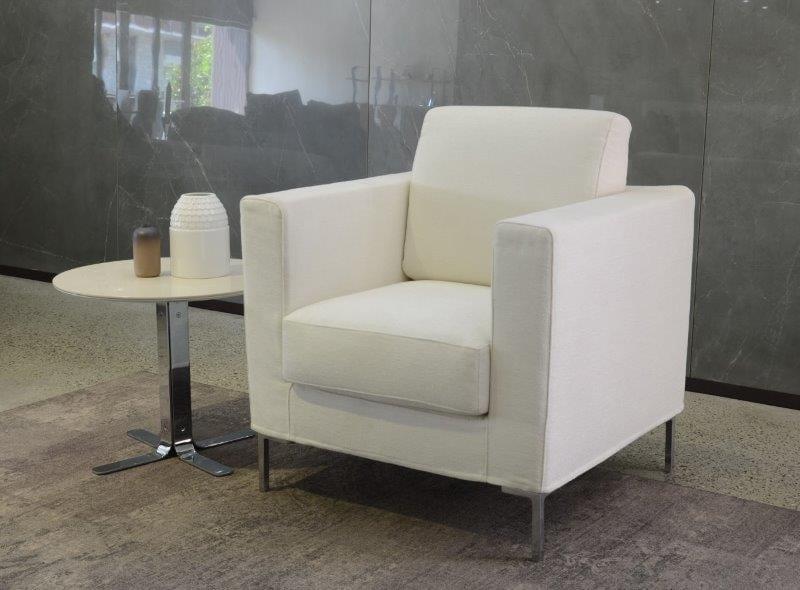 Comfortable and not bulky armchair idfdesign