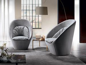 Molly, Enveloping armchair