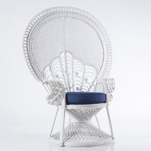 Peacock armchair, Armchair in white wicker with cushion
