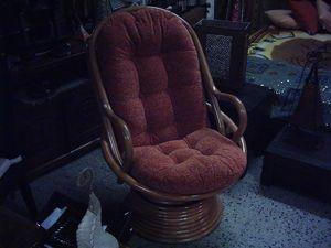 Poltrona girevole 101, Swivel armchair ethnic style