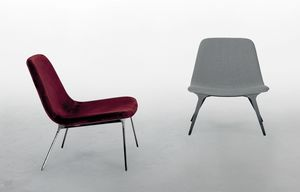 SVEVA, Armchair with a softly contemporary design