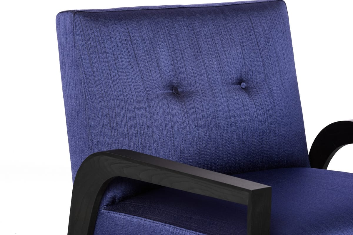TESEO Poltrona, Modern armchair with wide seat