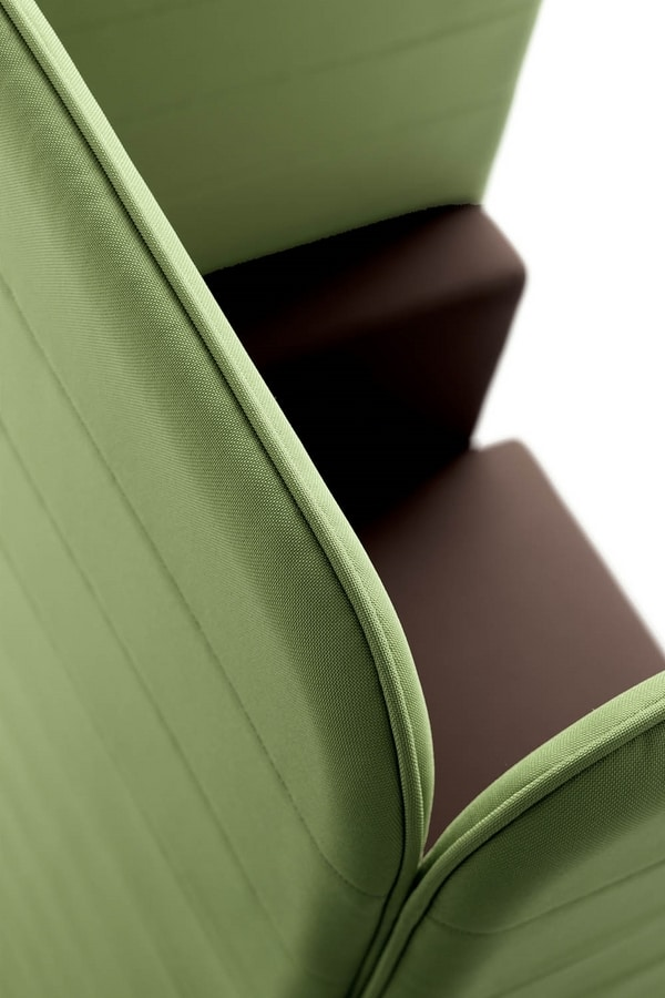 UF 106, Armchair with high back