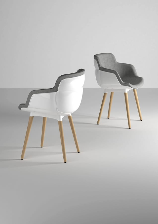 Choppy Sleek BL, Upholstered armchair with wooden legs