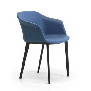 Claire, Armchair with a modern design