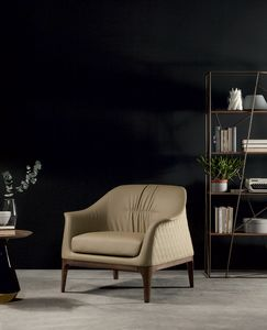 TIFFANY  armchair, Armchair with wooden base and upholstery in leather with diamond-shaped quilting