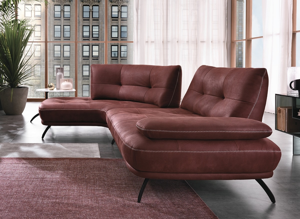 Bogart, Sofa full of details