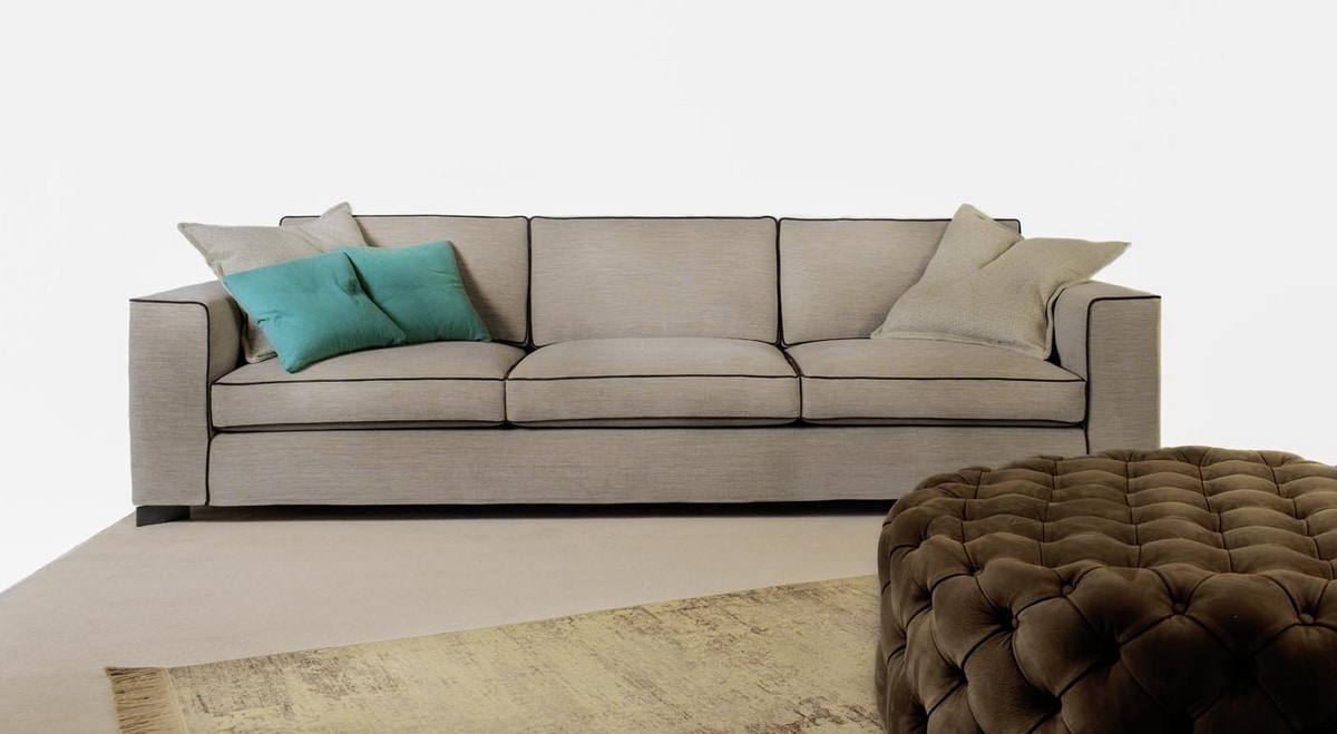 Brendon, Sofa with timeless charm
