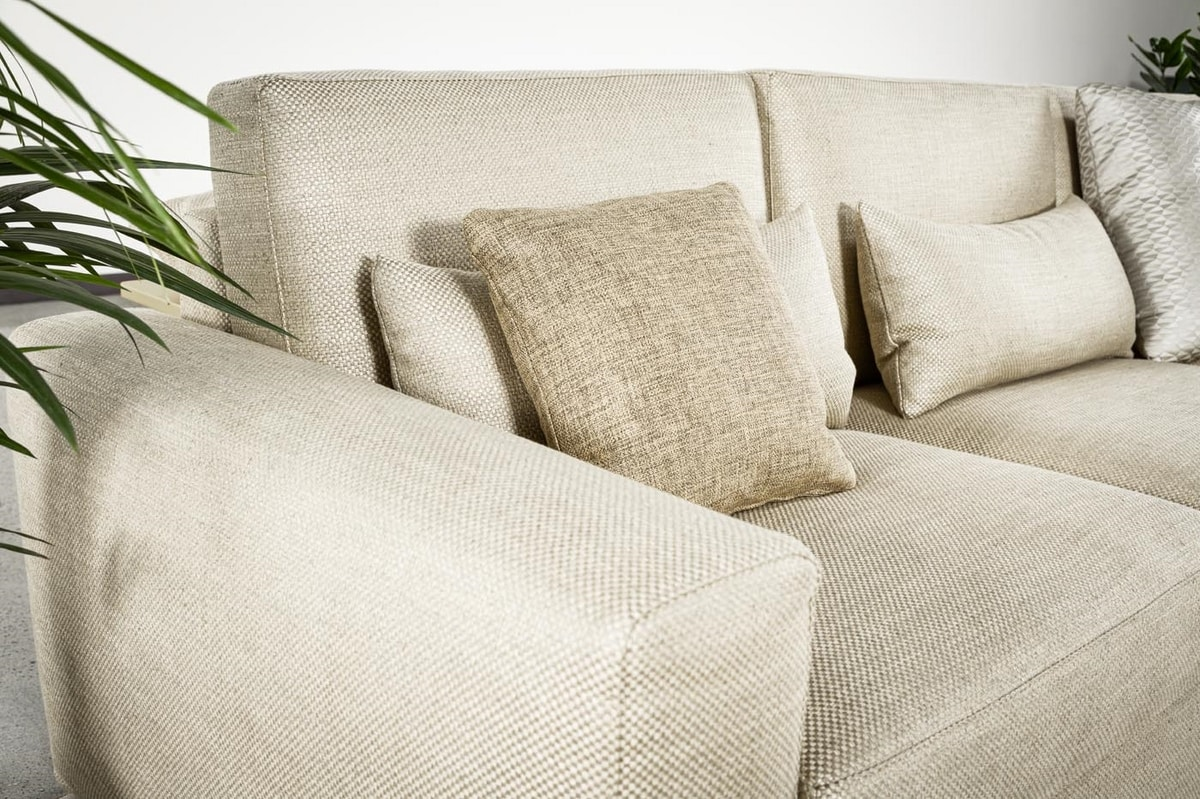 Charlie, Comfortable and versatile sofa