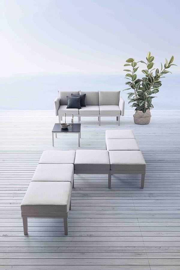 Conga, Modular lounge seating system, for indoors and outdoors