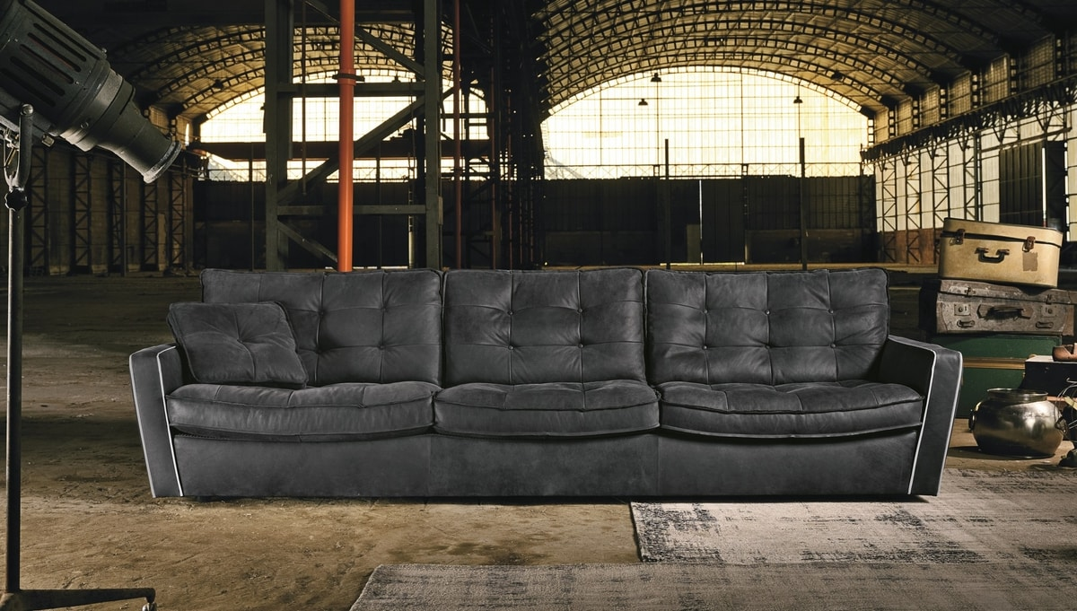 Diva, Sofa with inclined armrests