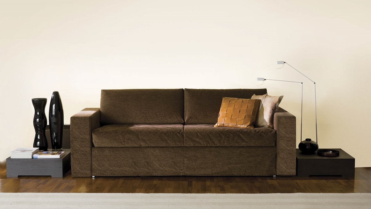 Frank, Sofa with linear shapes