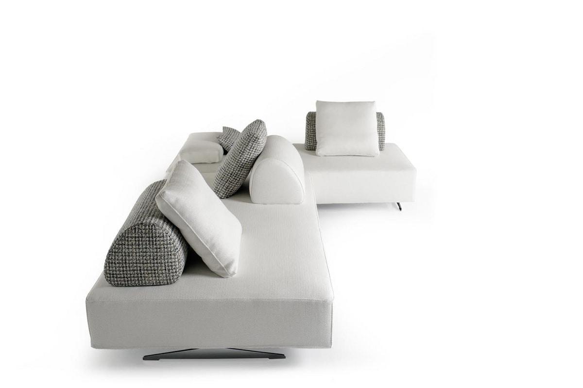 Jonas, Infinitely modular padded seats