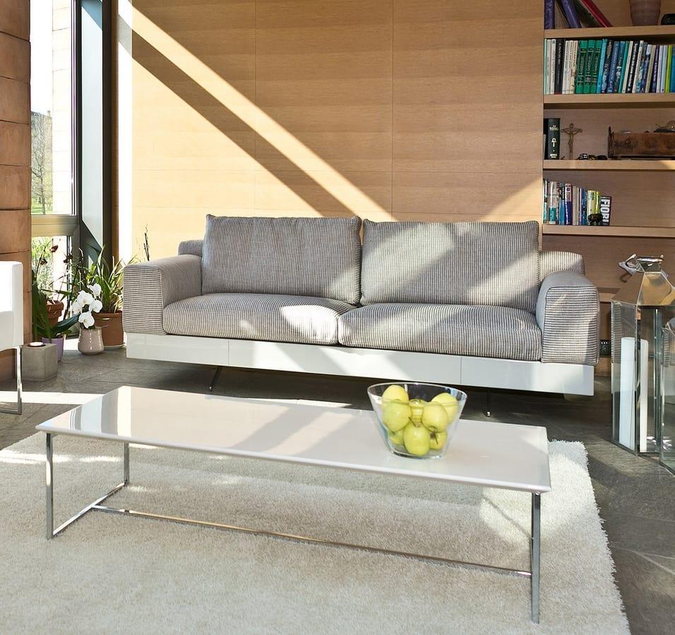Lario, Modern sofa with lacquered or leather base
