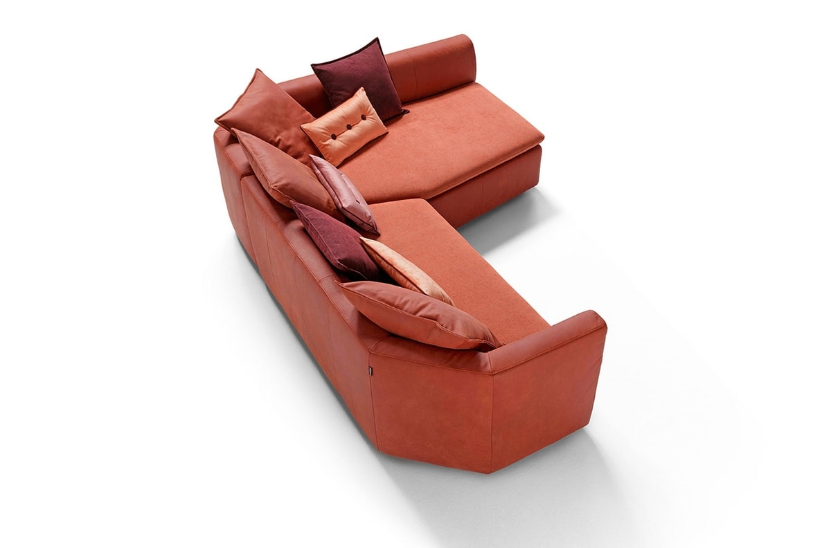 Nara, Sofa characterized by large overlapping cushions