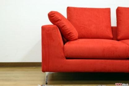 Nettuno, Linear and minimal sofa with high steel feet