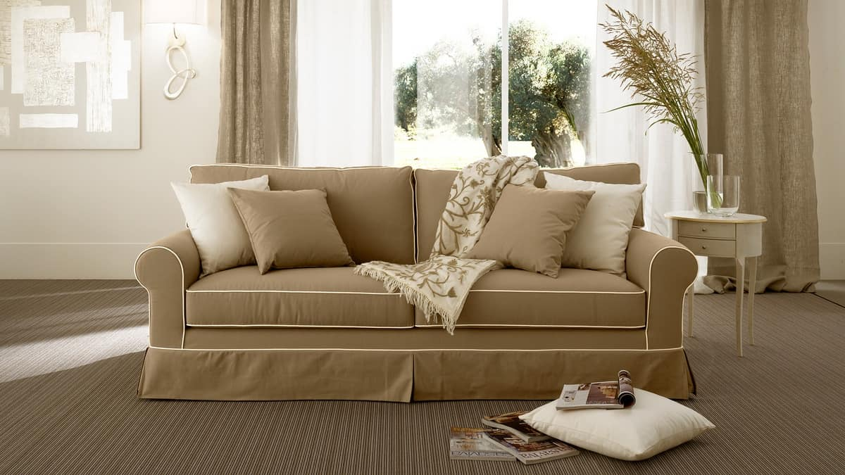 Rivoli sofà, Overstuffed sofa in polyurethane, feather pillows