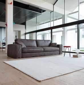 Santorini, Sofa with essential and clean lines