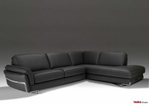 Sapporo, Corner sofa in leather with feet and finishes in polished steel