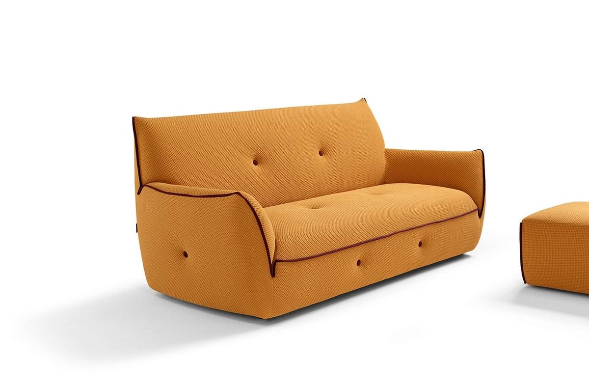 Yuki, Sofa with soft shapes