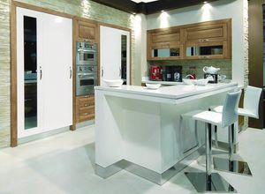 Melissa kitchen 107, Kitchen with counter covered in eco-leather