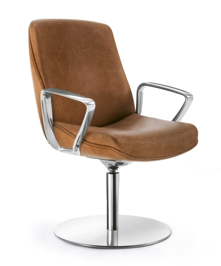 Jada, Leather armchair with round swivel base