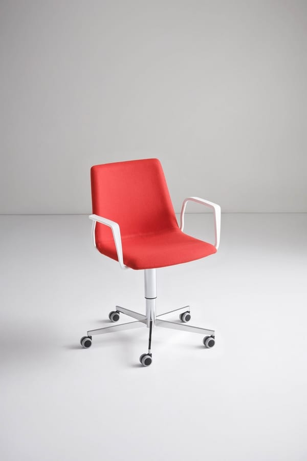 Akami T5R, Chair with 5 wheels base, adjustable in height
